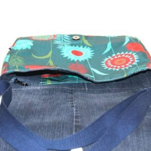 Clare Large Messenger Bag – Green Meadow