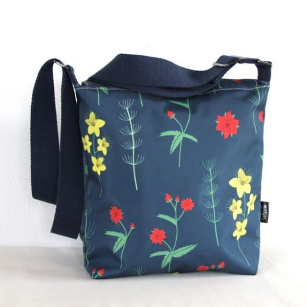 Fiona Small Messenger Handbag in Red Burren