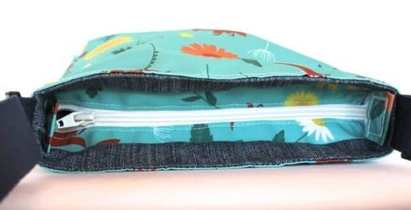 Amy Small Zip Top Handbag in Blue Daisy