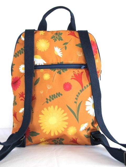 Jane Small Backpack in Orange Daisy